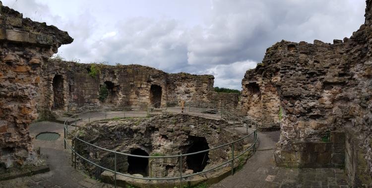 Flint Castle - great tower internal 9.jpg